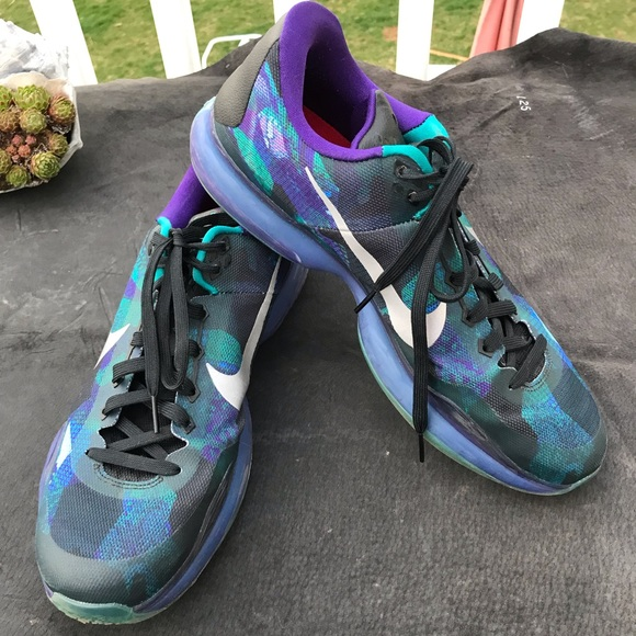 0380a372e8c Nike 705317 Kobe Emerald Glow 3M Silver Ct Sz 13. M 5caf2222bbf07696059c7a50